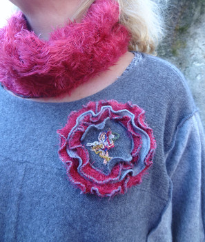 Pull oversise. Broche amovible et snood