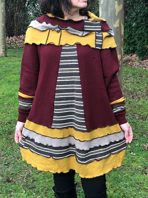 Robe pull tunique bordeaux, moutarde, beige. Rayures. Grand col patchwork. Laine
