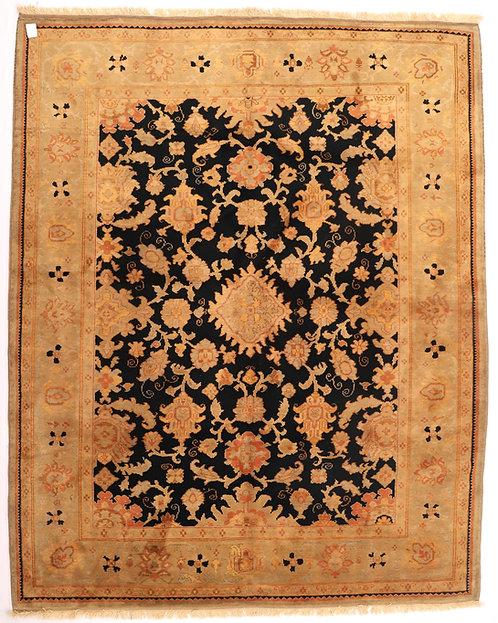 F338 - Ushak carpet