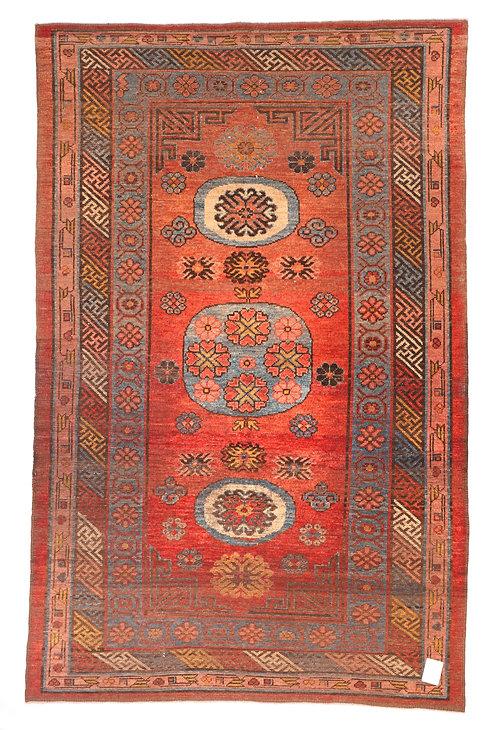 F105 - Hotan carpet
