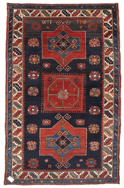 F279 - Kazak carpet