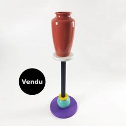 Vase 029 sur colonne DLG Sottsass