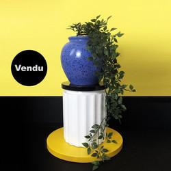 Vase 010 sur colonne DLG Sottsass