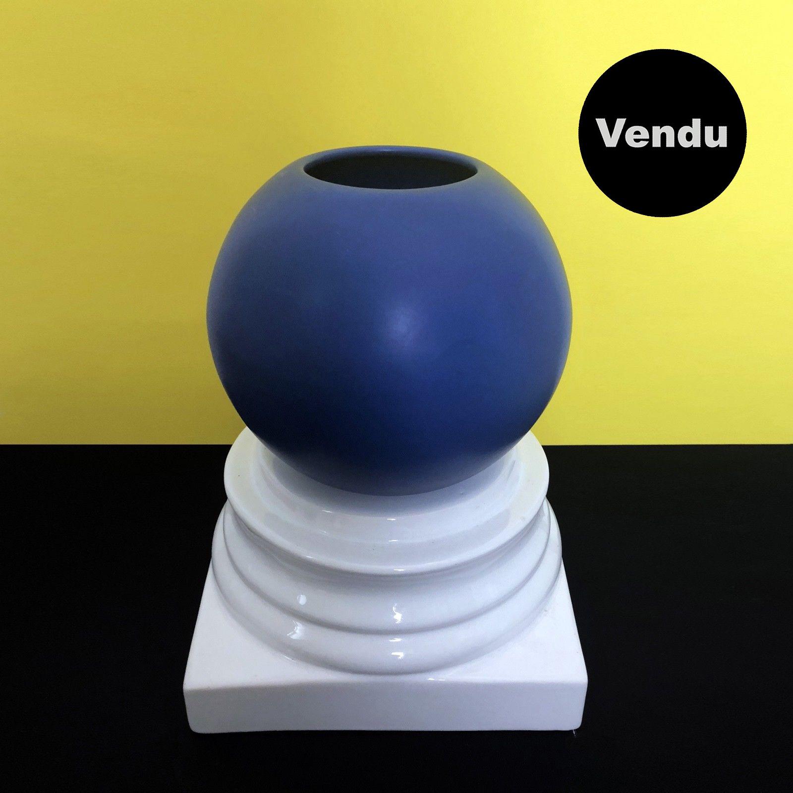 Vase 016 sur colonne DLG Sottsass