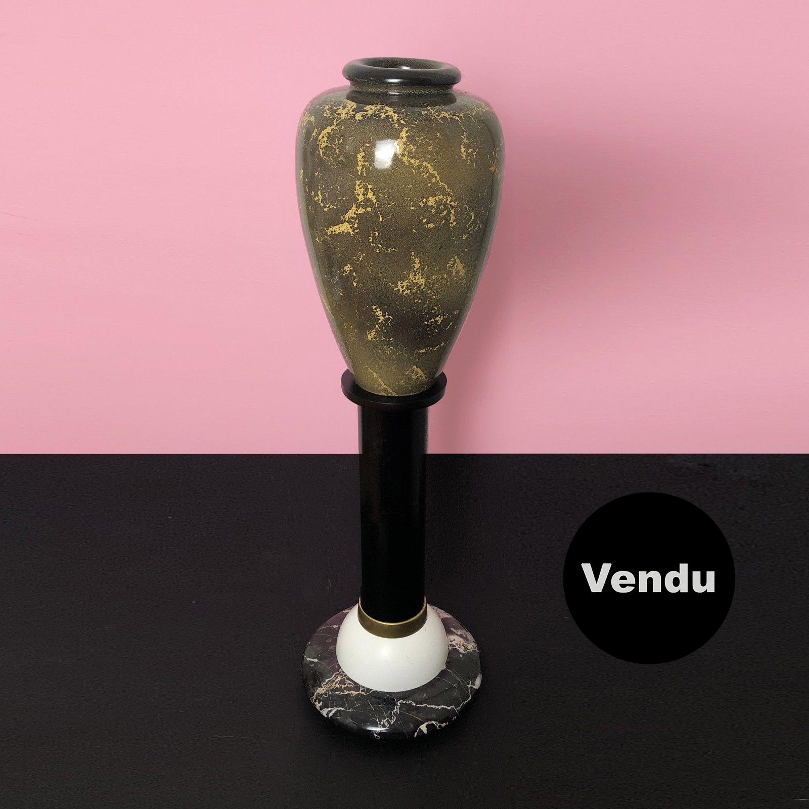 Vase 013 sur colonne DLG Sottsass