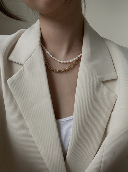 Zyra Gold Necklace