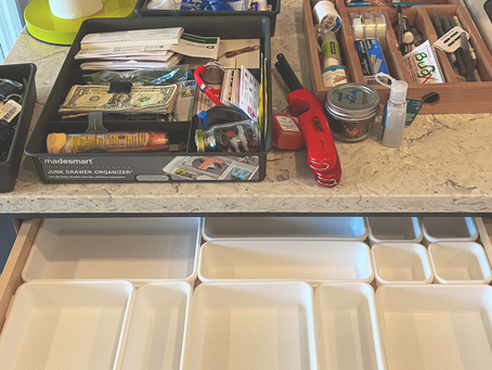 HOW TO: ORGANIZE YOUR JUNK DRAWER
