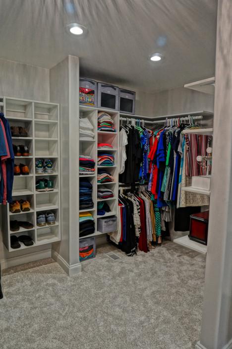 Custom Master Elegantly White Walk in Closet