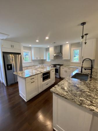 Custom Shaker Kitchen Cabinets