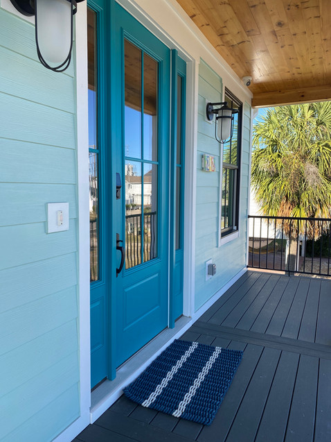 Exterior Beach House Entryway Deck