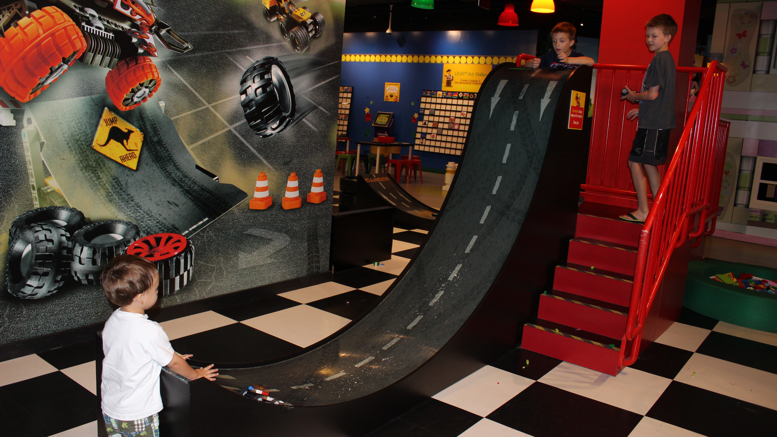 LEGO Racers: Build & Test Track at LEGOLAND Discovery Center in Kansas City