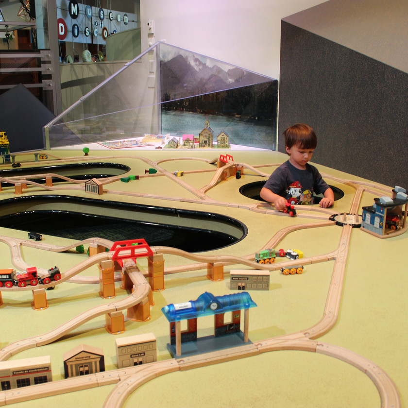 Fort Collins Museum of Discovery Train Set