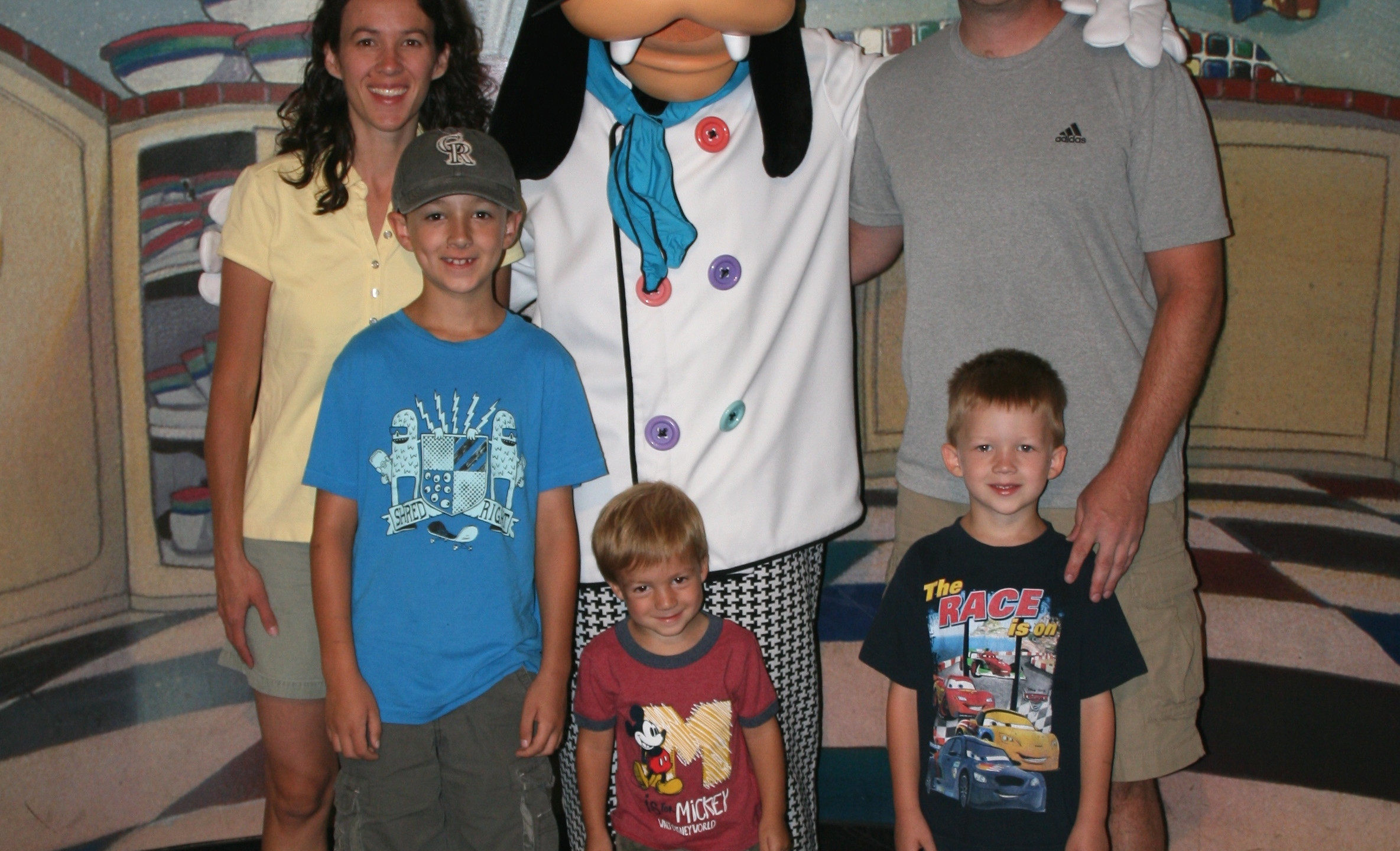 Goofy's Kitchen Gregg Family with Goofy