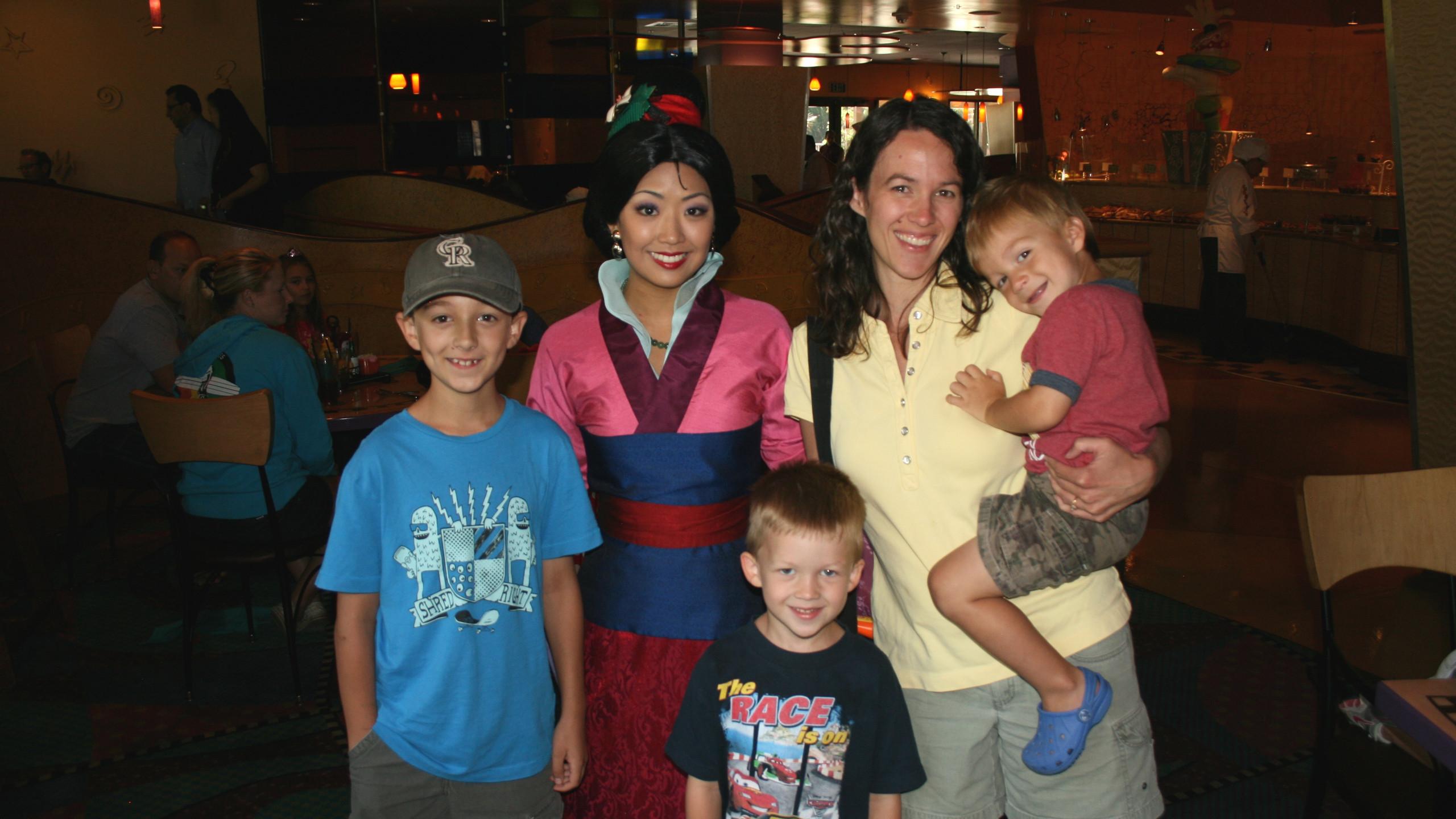 Goofy's Kitchen Meeting Mulan