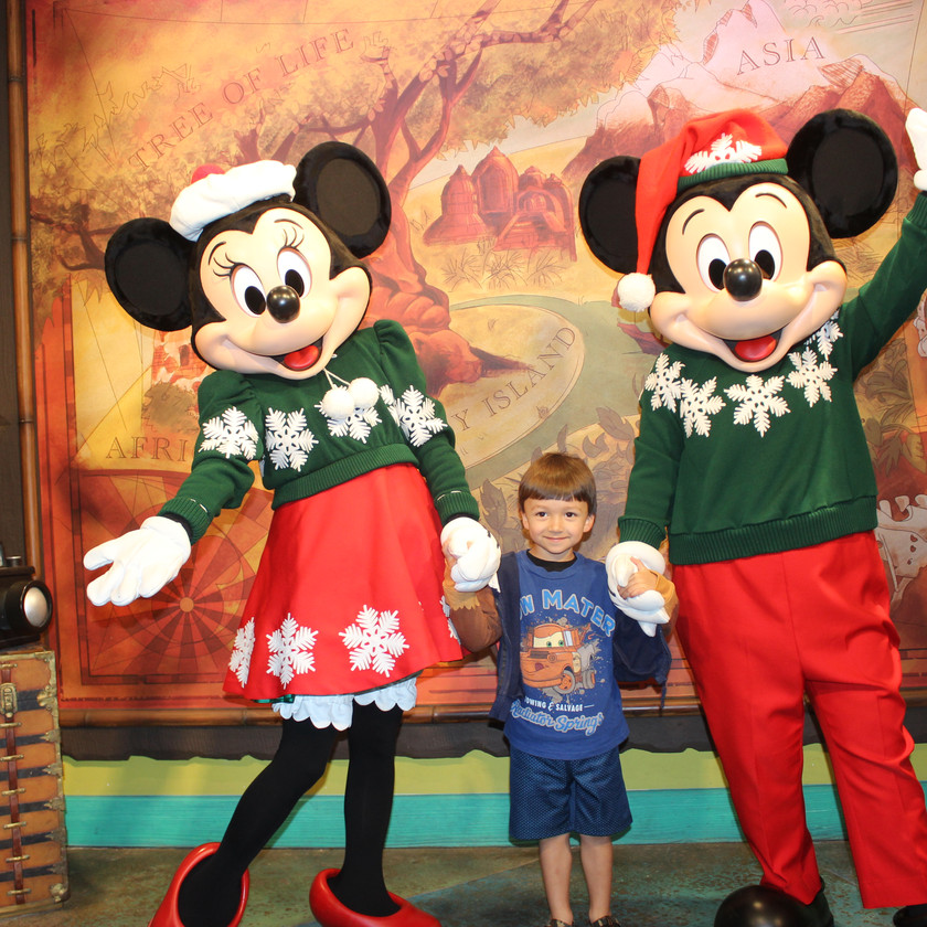 Meeting Mickey and Minnie at the Outpost by Destination Families