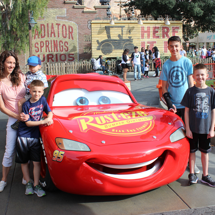 Meeting Lightning McQueen in Cars Land