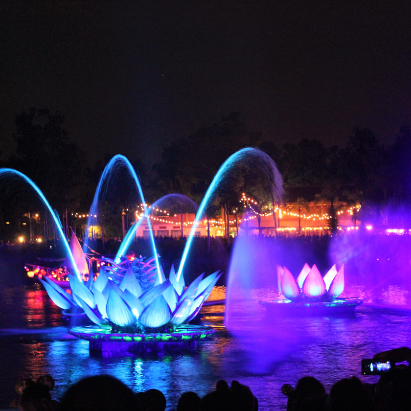 Rivers of Light Night Show by Destination Families