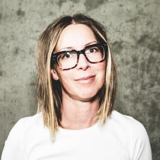 Pamela Saunders, Manager at Microsoft