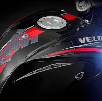 6 Caiman black red.jpg