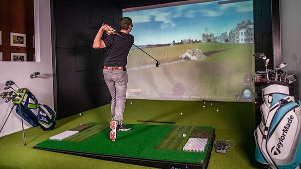 golfzon-golf-simulator-solution-HOTEL-RE