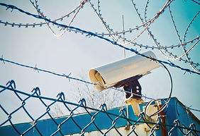 barbed-wire-2085266_1280.jpg