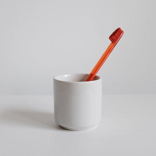 Стаканчик для зубных щёток и ватных палочек