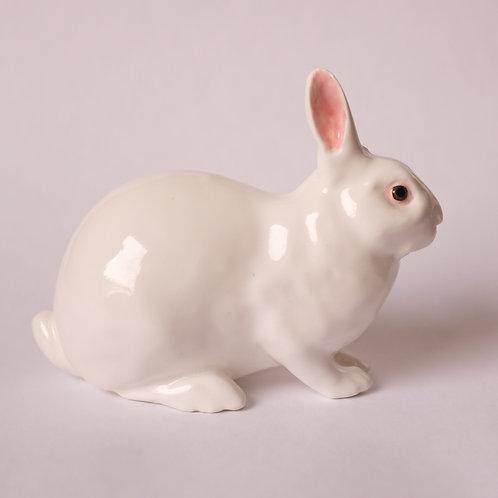 Статуэтка, белый кролик