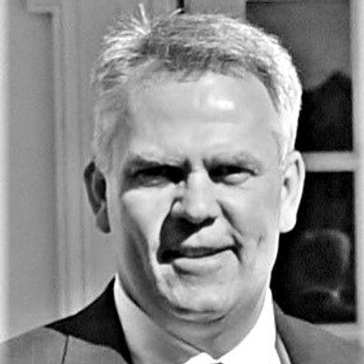 Dave Sullivan.Headshot_edited.jpg