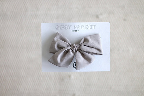 Casual greige bow pin