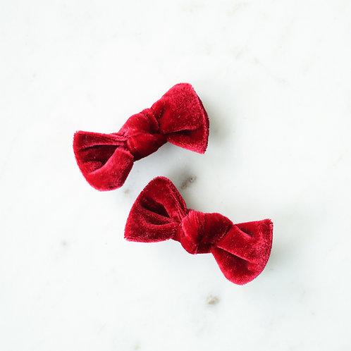 Raspberry velvet babyknot -pinnit