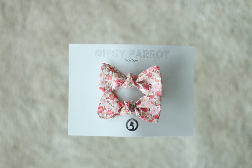 Pink flowers baby knot -pinnit