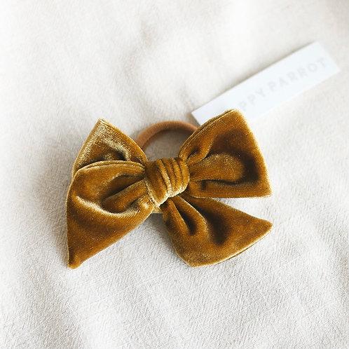 Rusettiponnari, Gold