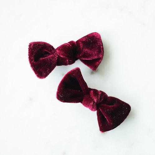 Rouge velvet babyknot -pinnit
