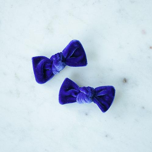 Cobalt velvet babyknot -pinnit