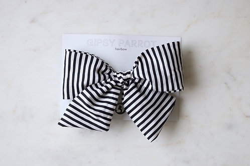 B&W stripes giant rusettipinni
