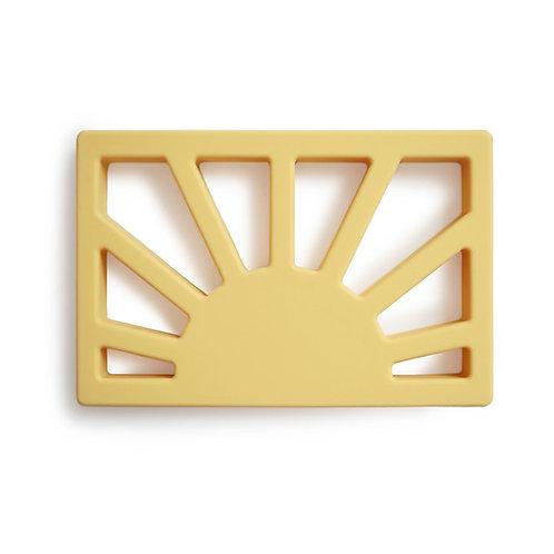 Vauvan purulelu, Aurinko keltainen