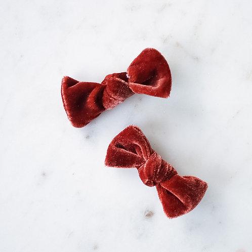 Cinnamon velvet babyknot -pinnit