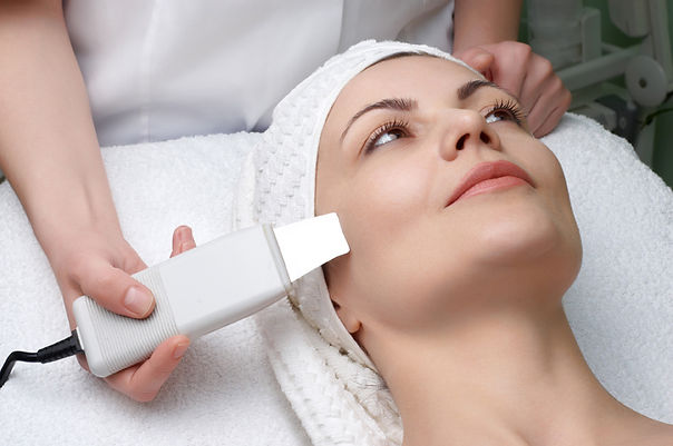 Woman reciving skin treatmet in Beverly Hills