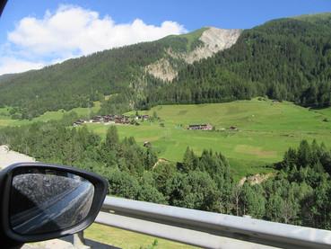 Nunfenen Pass, serra para chegar ao Ticino