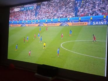 Futebol com torcedores do mundo