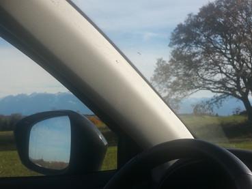 Domingo tranquilo dirigindo na Suíça