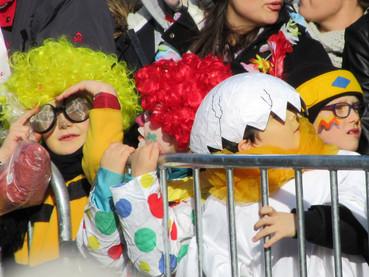 As Crianças no Carnaval Suíço