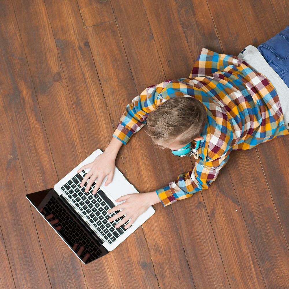 ergonomics for students at home using computers and tablets