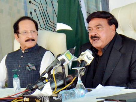 اپوزیشن کو وزیراعظم عمران خان کی ہدایت پر الیکشن کمیشن کے دفتر کے باہر احتجاج کرنے کی اجازت دی