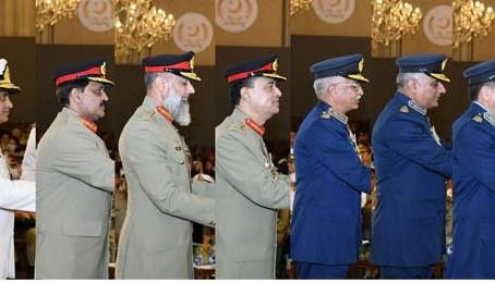 صدر مملکت ڈاکٹر عارف علوی نے فوجی افسران اور شہیدوں کی فیملیوں کو ان اعزازات سے نوازا