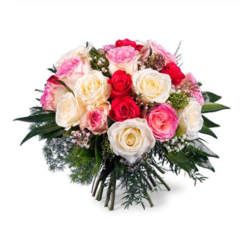 Bouquet di rose in colori misti primaverili e verde decorativo