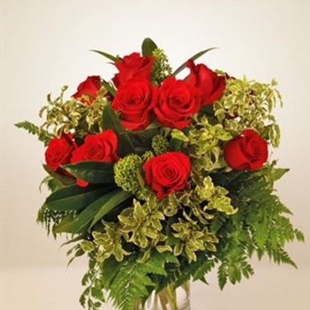 Bouquet di 12 rose rosse con verde decorativo