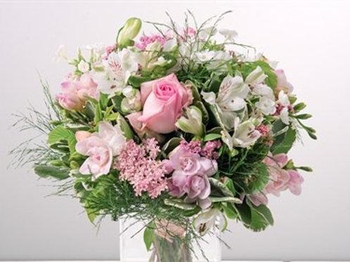 Bouquet di rose ,alstromeria, minicimbidium, fresia e verde decorativo