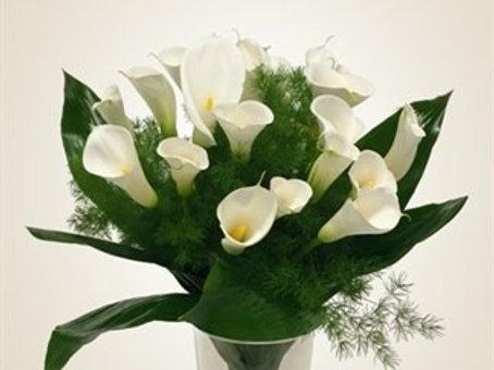 Bouquet di 21 calle e verde decorativo