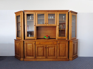 Dresser with Crn End Unit